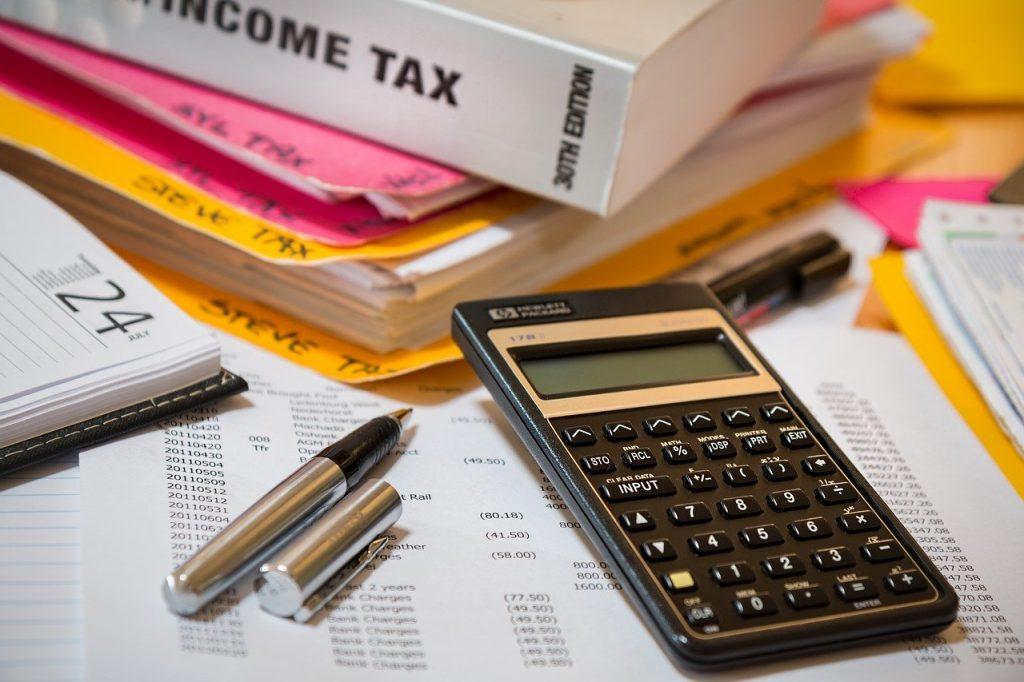 ספר מיסים, מחשבון ועטים